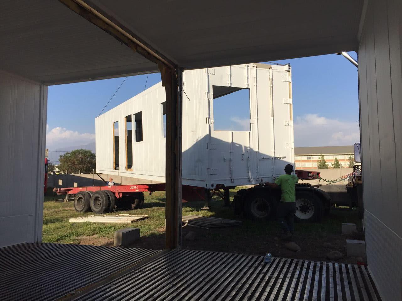 Containers de transporte de productos congelados, equipados con un eficaz sistema de aislación, serían la base de nuestra casa.