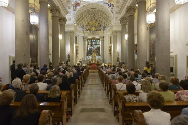 Mons. Martínez Camino pidió oraciones por el plan diocesano de Evangelización y los frutos del Año mariano en la diócesis de Madrid.