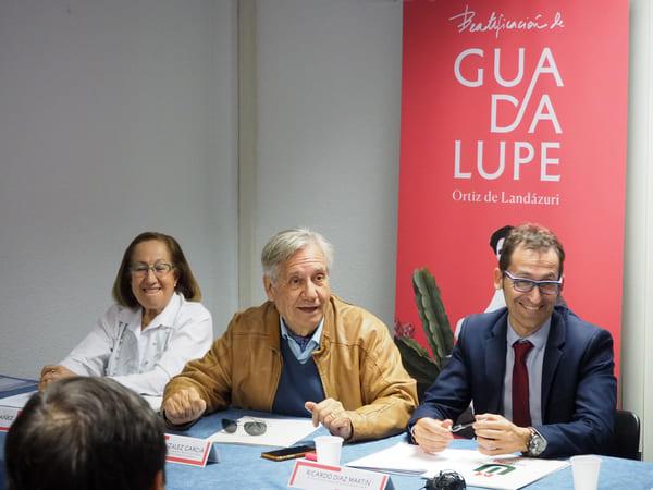 Valentín González García, Presidente de la Asociación de Químicos y Académico de la Real Academia de Farmacia, se unió a las palabras del Decano
