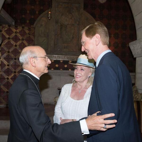 Barbara y Arne con el prelado del Opus Dei, Mons. Fernando Ocáriz