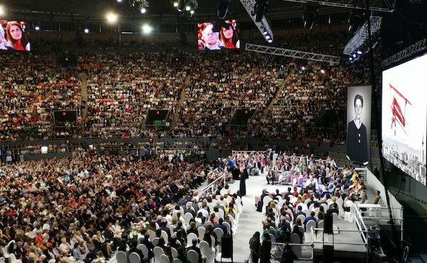 Réunion des participants à la béatification avec le prélat de l'Opus Dei à Madrid