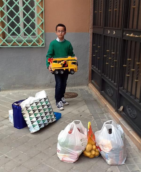 Álvaro, dispuesto a regalar su camión grúa.