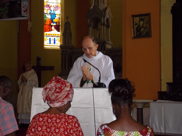Father John, son of Enrique Shaw, celebrating Mass in Mombasa.