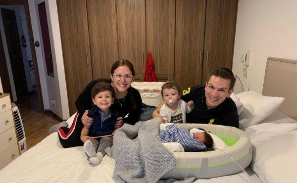 El reencuentro de la familia: Gisela junto a Rober y sus tres hijos