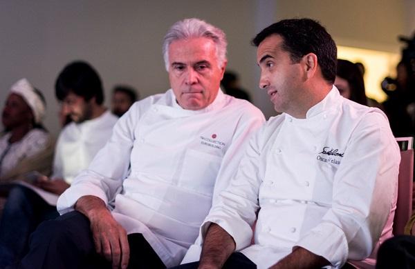 Pedro Laraumbe y Oscar Velasco en un momento del acto. Foto: Harambee.