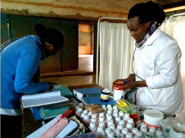 Medicinas que se entregan a los niños durante las visitas periódicas del CHEP