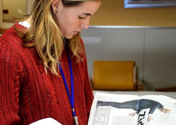 """""""Tuvimos la suerte de que el Hospital Universitario más cercano a la facultad de Medicina contaba con una biblioteca, aunque no había servicio de voluntarios para leer a los pacientes""""."""