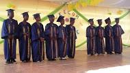 À la fin de l'année scolaire, la promotion qui a fini l'enseignement primaire et passe en 6ème