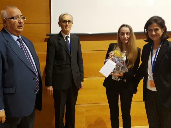 Entrega del premio del VIII Simposio San Josemaría al centro Terral de Barcelona.