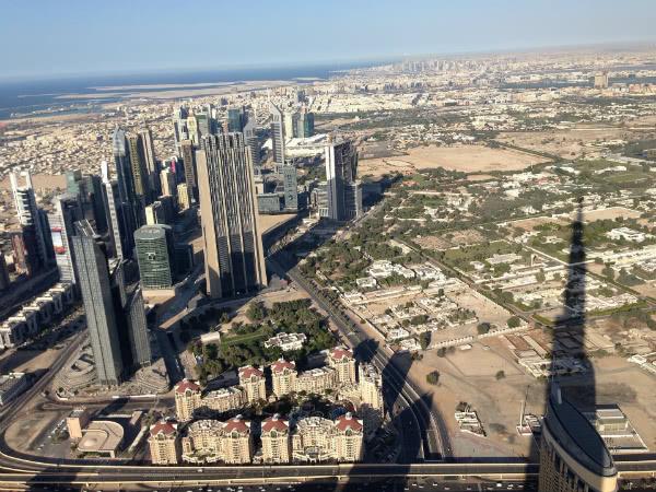 Vista de Dubai desde el burj Khalifa (fotografía bajo licencia CC0)