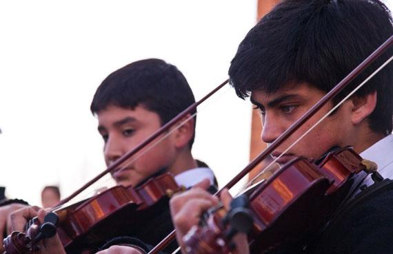 El colegio Nocedal cuenta además con una orquesta sinfónica conformada por sus propios alumnos.