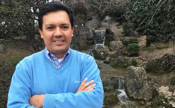 Emanuel Pérez (Monterrey, 1976).