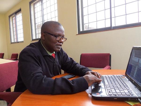 """Mose, el iniciador de """"Karibu Sana""""."""
