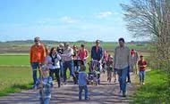 Consejos (suecos) para hacer la romería de mayo en familia