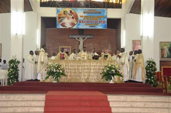 A la fin de la prière eucharistique