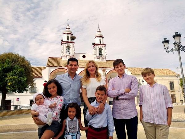 La familia de Mariloli y Fernando. Foto: Diócesis de Córdoba