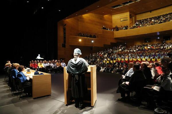 """""""As universidades são chamadas a ser fontes de esperança e liberdade"""", disse o Grão-Chanceler."""