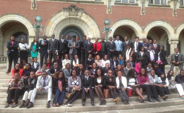 Visita de alumnos a la Corte Internacional de la Haya.