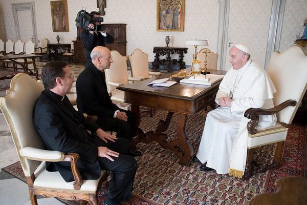 Püha Isa kohtus Opus Dei prelaadi Mons. Fernando Ocárizi ja Mons. Mariano Fazioga