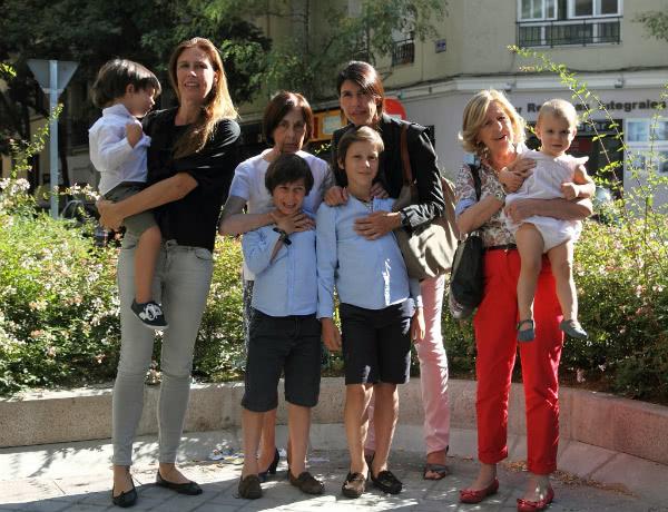 """Drei Generationen von Verwandten """"unseres lieben Onkels Alvaro"""""""