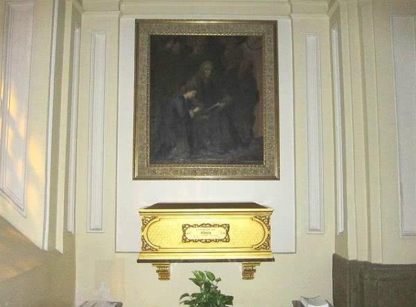 Desde 2004, o corpo de Alexia González-Barros descansa na igreja madrilena de São Martín de Tours