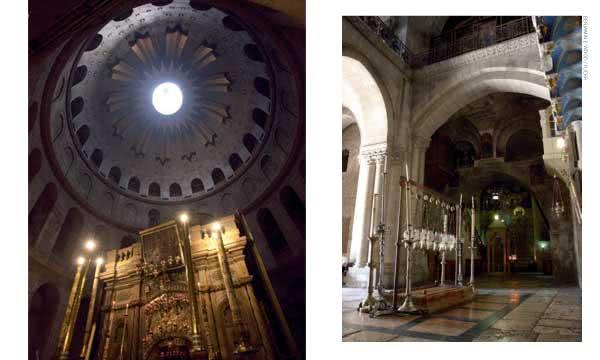 """Esquerda: o túmulo do Senhor está numa capela no centro do Anastasis. Direita: a """"Pedra da Unção"""" e no fundo um baldaquino marca o lugar onde as Santas Mulheres presenciaram a unção de Jesus."""