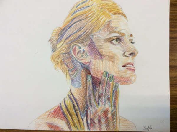 Las alumnas de Dibujo Artístico de Bachillerato han preparado varios trabajos para sensibilizar sobre la violencia de género.