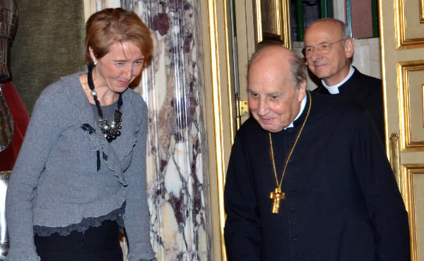 Isabel Sánchez with Bishop Javier Echevarría and Msgr. Fernando Ocáriz.