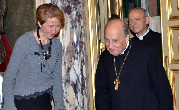 Isabel Sánchez mit Bischof Javier Echevarría und Msgr. Fernando Ocáriz.