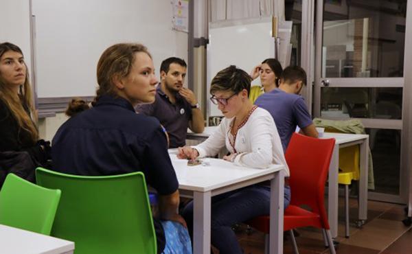Un club  fomenta el debate de ideas  entre alumnos y docentes en la Universidad de Montevideo