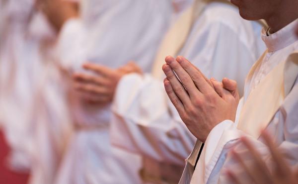 教会のため、31人の助祭誕生