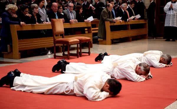 Opus Dei - Homilía y fotos de las ordenaciones diaconales (marzo 2018)