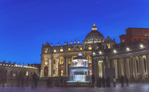"Fernando Ocáriz: ""Svatý Pavel VI. a Oscar Arnulfo Romero, propagátoři jednoty a bratrství v církvi."""