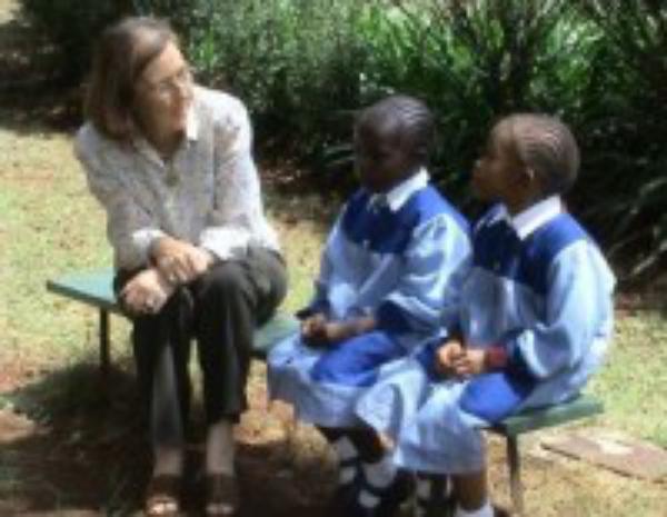«En África muchas chicas creen que el sida se cura tomando una pastilla»