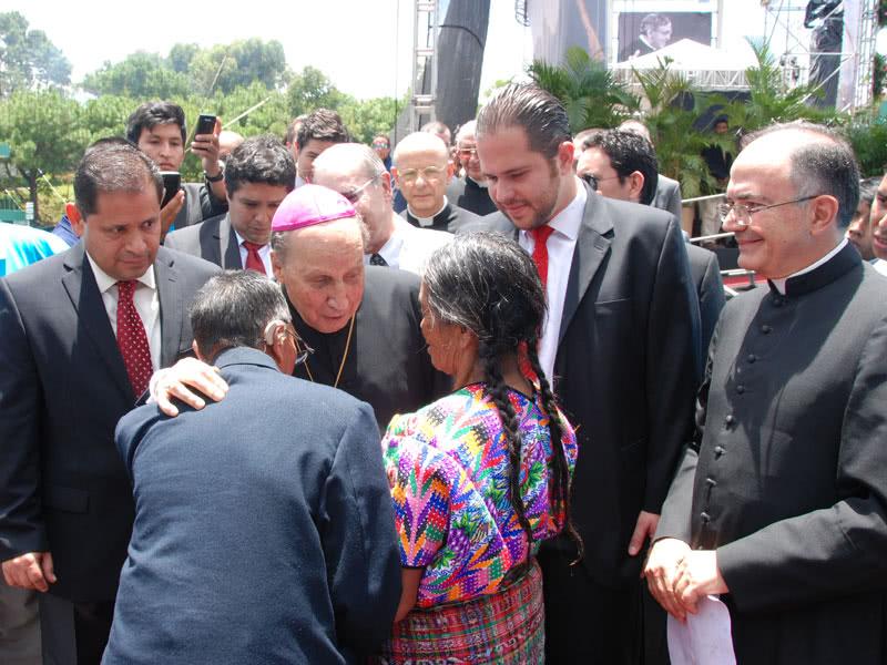 Opus Dei - El Prelado en Guatemala