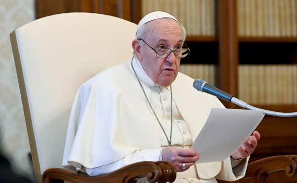 "Catequese do Papa Francisco: ""Rezar na Liturgia"""