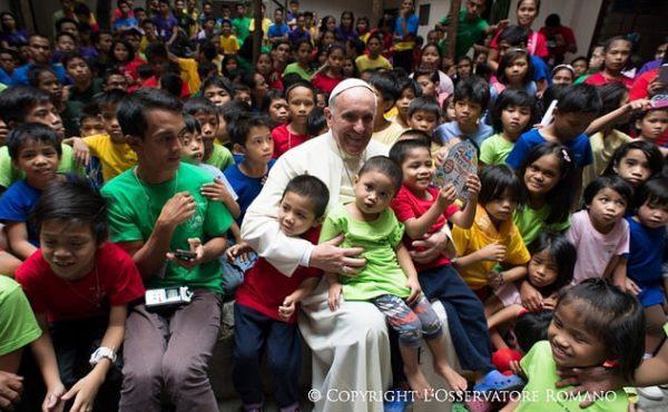 """Com o Papa em Filipinas: """"Proteger a família"""""""