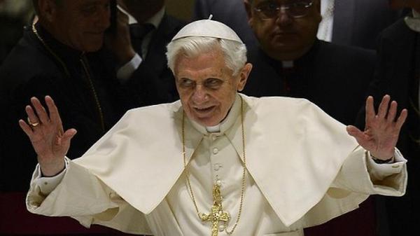 Continuez à prier pour moi, pour l'Église, pour le futur Pape.