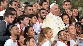 Pápežov príhovor rodinám v Manile: Modliť sa znamená vedieť snívať