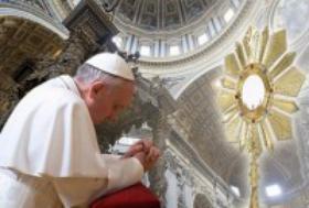 Histórica adoración eucarística