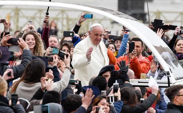 Message du Pape François aux jeunes de l'UNIV