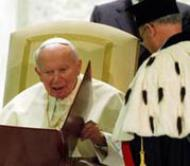 "The Pope receives doctorate ""honoris causa"" in jurisprudence"
