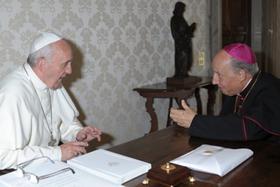 教皇フランシスコ、ハビエル・エチェバリーア司教と謁見