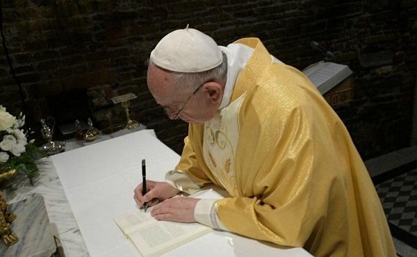 """Das Papstschreiben zur Jugendsynode - """"Christus Vivit"""" ist erschienen"""