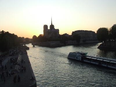 Coucher de soleil sur Notre Dame de Paris