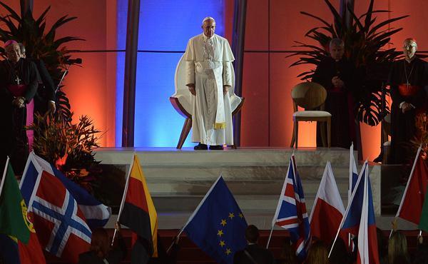 Opus Dei - Een miljoen pelgrims onthalen paus: 'Zet Christus centraal'