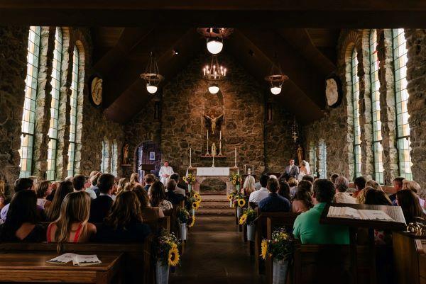 Zjednoczeni w komunii: modlitwa z całym Kościołem