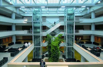 Le hall d'entrée de la nouvelle polyclinique.
