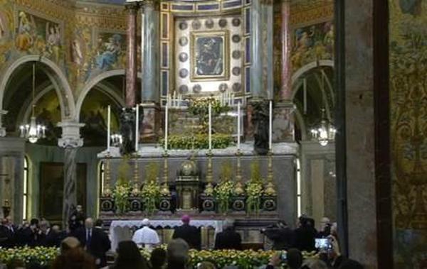 Il Papa a Napoli
