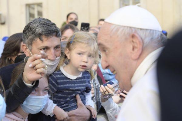 Opus Dei - ĐTC Phanxicô: Lời cầu nguyện của anh chị em được Chúa lắng nghe, đừng bỏ cầu nguyện